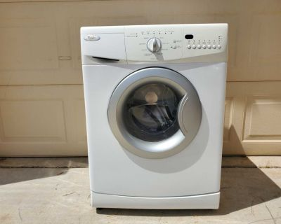 Clothes dryer compact size