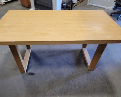 Dining/craft table w/2 chairs