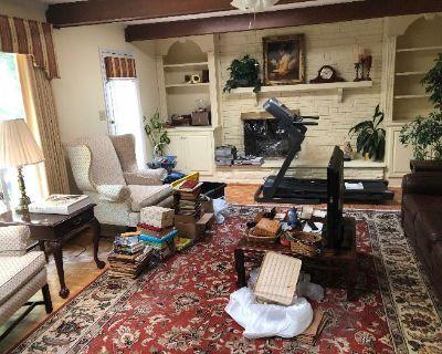 Williamsburg Estate Sale Caring Transitions