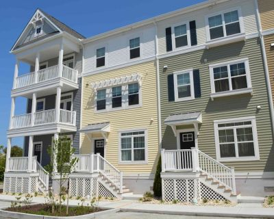 The Summer House- 4 Bedroom/4 Bath Located in Midtown With Water Views and Outdoor Pool - Midtown Ocean City