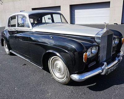 1963 Rolls-Royce RHD 4 DR. Sedan