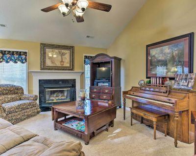 Asheville Area Home w/Patio-11 Mi to Biltmore - Fletcher