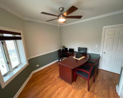 Professional Private Office. (Ren), Lyons, IL
