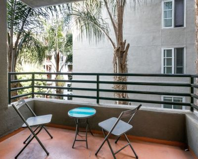 Hotel Style Furnished One Bedroom Suites in LA Beach Area