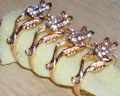 Gold Filled FROG Design Rings Sizes--> two size 7 --- one size 9 ---one size 10