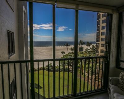 Sandarac 604B is a newly furnished and decorated two bedroom, two full bath, beach front condo - South Island