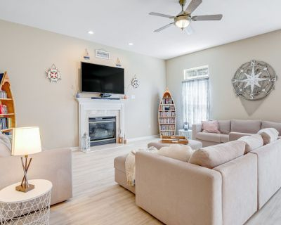 South Hampton House Overlooking Pond W/wifi, Shared Pool, Private Washer/dryer - Ocean View