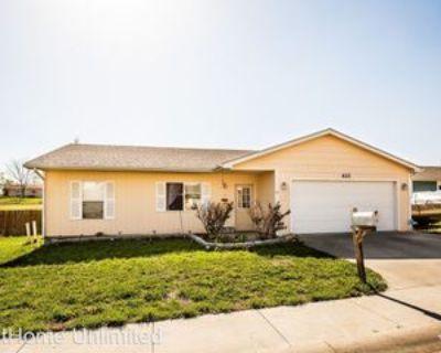 621 Jerry Dr, Junction City, KS 66441 3 Bedroom House