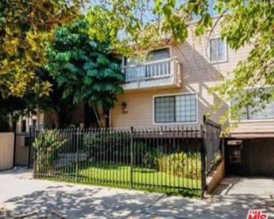 5021 Tilden Ave #5, Los Angeles, CA 91423 2 Bedroom Condo