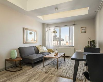TWO Bright Sunny Apartment on 3rd Street Cozystays - Downtown Louisville