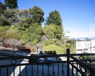 Famous Roof Top Penthouse with incredible view - Russian Hill