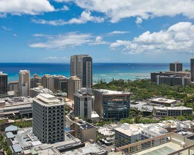 Modern oceanview unit w/ A/C, tennis, gym, W/D. Near beaches! - Waikiki