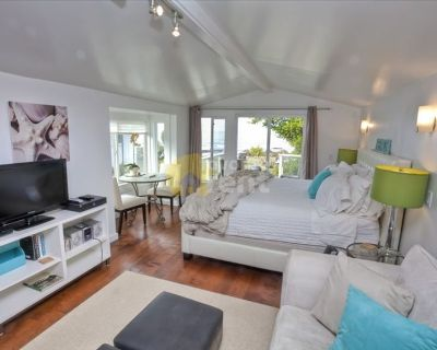 1 Bedroom Ocean front Cottage with Panoramic Views in Moss Beach!!!