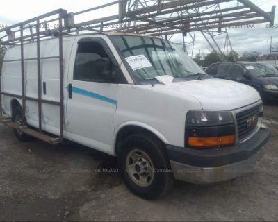 Salvage White 2007 Gmc Savana Cargo Van