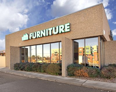 Boulder retail space for lease on Arapahoe Ave.