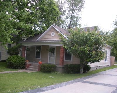 2 bedroom , cottage, easy and close location to shopping, restaurants and away - Middletown
