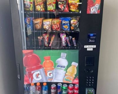 2018 Like New SelectiVend Wittern USI Snack and Drink Combo Vending Machine