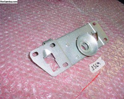 Early ghia hood lock mechanism/catcher