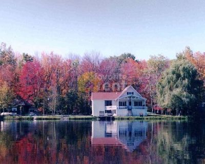 Poconos Lakefront 3 bedroom house