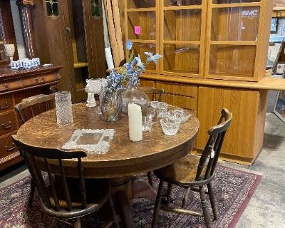 Woodland Hills: NEW CHAIRS ADDED TODAY & VINTAGE ESTATE FURNITURE + COLLECTABLES! MOVING - ALL GOES!