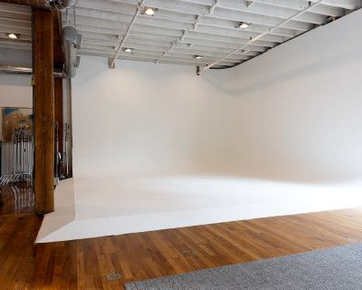 Cozy and Industiral Downtown Photo Studio and Event Space, Atlanta, GA
