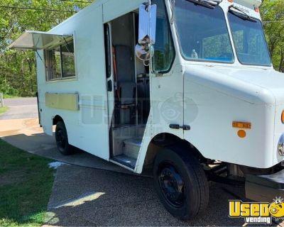 Turnkey 2003 Freightliner MT45 Diesel Step Van Kitchen Food Truck