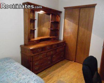 Floyd Childs Ct. El Paso, TX 79936 5 Bedroom House Rental