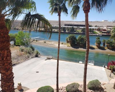 Riverfront Luxury Condo! With private launch ramp and great views! - Bullhead City