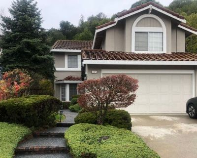 Private room with shared bathroom - Castro Valley , CA 94552