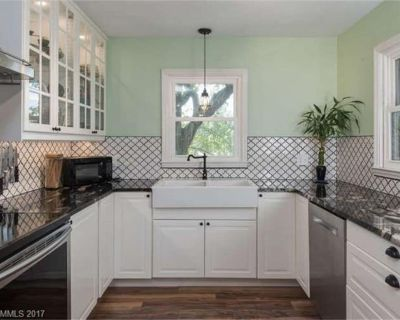 Private Home: 3 Miles To Biltmore, Family Friendly w/ Two Living Rooms, Fire Pit - Oakley