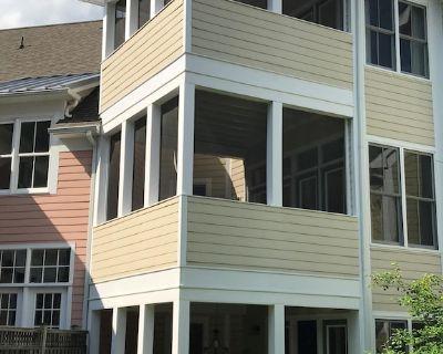 Luxury designer decorated home in 5-Star rated community of The Peninsula. - Millsboro
