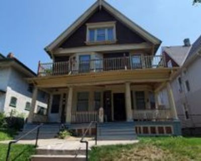 528 N 32nd St, Milwaukee, WI 53208 3 Bedroom Apartment