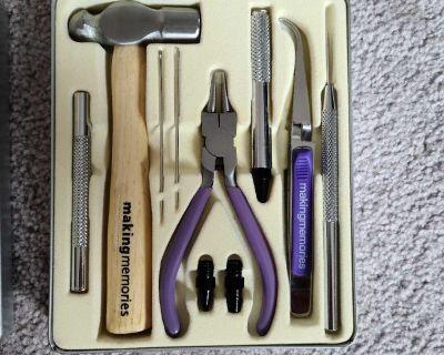 Making Memories Scrapbooking Tool Set and Embosser