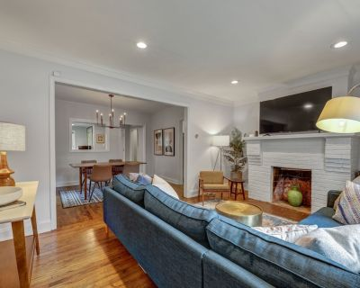 East Lake Bungalow With Home Office - Family Friendly, Pet Friendly - East Lake