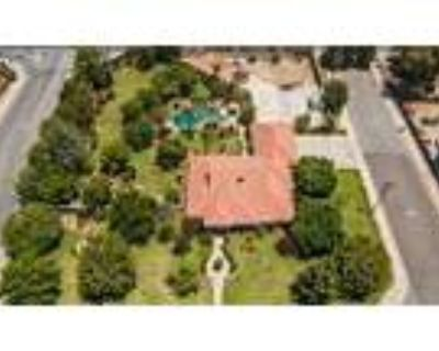 Over 1 Acre With A Pool & Shop - RealBiz360 Virtual Tour
