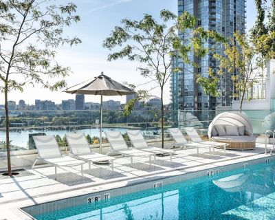 Level Hotels & Furnished Suite One Bedroom Deluxe Suite   Lux Amenities - Downtown Vancouver