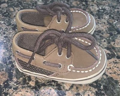 Baby Sperry size 1