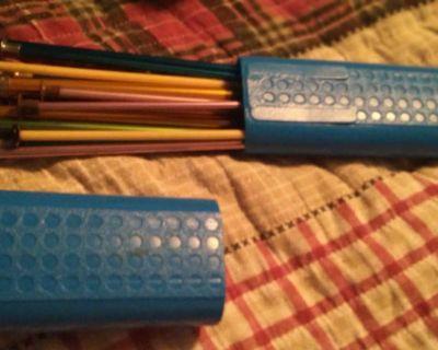 All kinds of knitting needles & plastic case