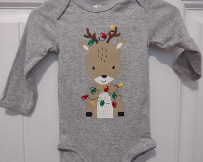 NWT JUST ONE YOU BY CARTERS 6 MONTHS CHRISTMAS LONG SLEEVE GRAY ONESIE WITH REINDEER & LIGHTS