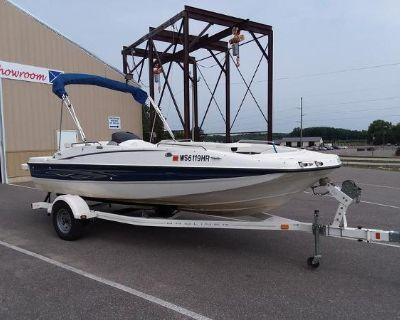 2009 Bayliner 197 Deck Boat