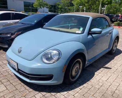 Used 2013 Volkswagen Beetle 2dr Auto PZEV