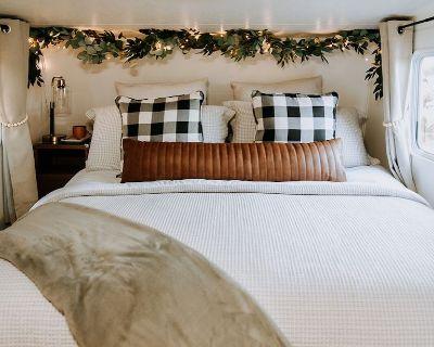 King Bed RV - Murrieta