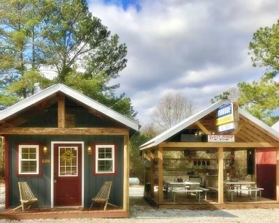 1/4 mi to LAKE HARTWELL/Lockable Boat Shelter w/Power&Water-15 mi to CLEMSON SC - Townville