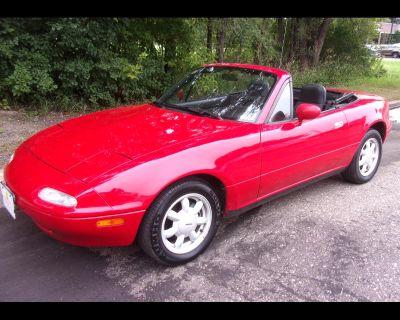 1992 Mazda MX-5 Miata 2dr Coupe Convertible