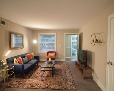 DREAMY 2BR HOME IN BUCKHEAD SECONDS AWAY FROM WORLD-CLASS SHOP+DINE - South Tuxedo Park