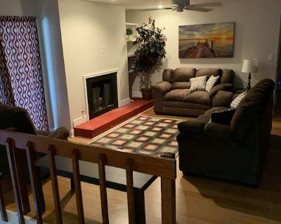Beautiful townhouse in a phenomenal area - Minutes away from all major highways - Tucker