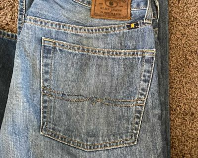 Men s Lucky Brand jeans. 36 x32 very soft.