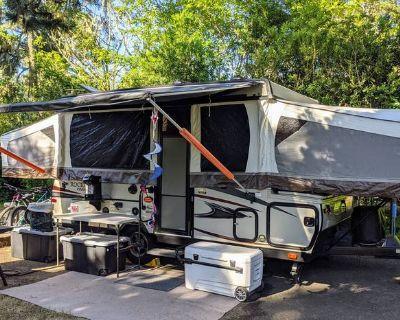 2018 Forest River Rockwood Premier 2516G