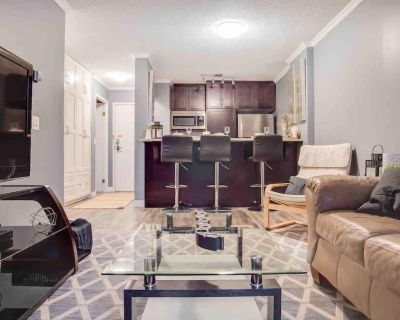 NEW Cozy and Central DT Home w Gym Coffee Parking BBQ - Downtown Calgary