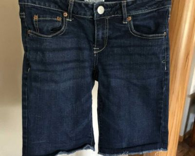 Womens Aeropostale Jean Shorts size 5/6